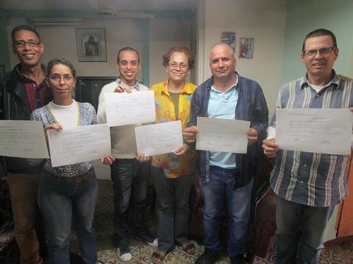 Graduados de curso de Derechos Humanos 15 enero 2016 (1 y 2) De izquierda a derecha en la foto 1: Carlos, Yiannella, Yuslier, Meibol, Eduardo y Vladimir. Leticia no estuvo en la foto por razones de trabajo.